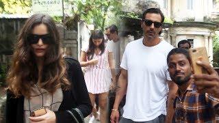 Arjun Rampal With Girlfriend Gabriella Demetriades Spotted At Bandra - Watch Video