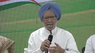 Former PM Dr. Manmohan Singh talks about the deplorable state of the economy