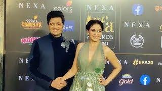 Cute Couple Riteish Deshmukh And Genelia D'souza At IIFA AWARDS 2019 | Green Carpet