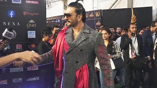 Ranveer Singh ENTRY In Badshah Style At IIFA AWARDS 2019 Green Carpet