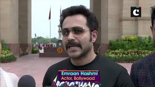 Emraan Hashmi visits 'Amar Jawan Jyoti' to pay tribute to slain soldiers