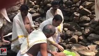 तेरुवेल्ली के महाविष्णु मंदिर , वायनाड में कांग्रेस अध्यक्ष राहुल गाँधी