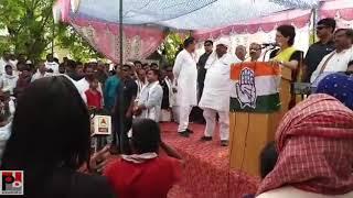 Priyanka Gandhi Vadra addresses Nukkad Sabha at Barara Bujurg