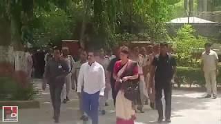 Priyanka Gandhi Vadra cast her vote in Delhi