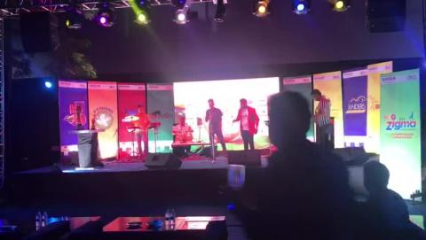 Watch Kajra Mohabbat Wala Song - Live Performance By Rehnuma Band at Inauguration of Doxa Cricket League 4.0 Video
