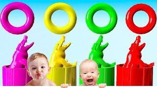 Animal salvaje (cocodrilo) que nada en agua colorida y se transforma en animal colorido -Para niños