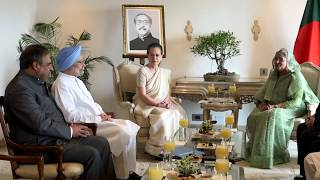 Congress President Smt. Sonia Gandhi along with Former PM Dr. Manmohan Singh Met with Sheikh Hasina