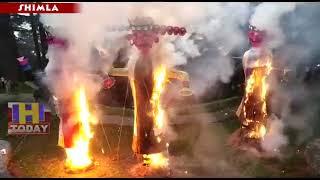 9 OCTN 5 राजधानी शिमला के ऐतिहासिक जाखू मंदिर में  45 फुट के रावण  का किया दहन