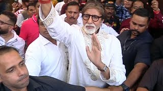 Amitabh Bachchan At Pratiksha Celebrates His 77th Birthday With Fans