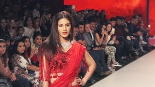 Amyra Dastur Walks The Ramp At Bombay Times Fashion Week 2019