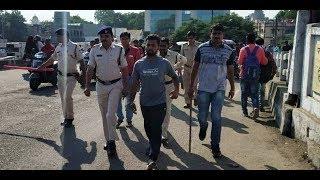 खंडवा : मनीष कनाड़े हत्याकांड के आरोपी भाजपा नेता बादल शर्मा का पुलिस ने जुलूस निकाला