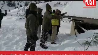 J&K avalanche: Strong winds, heavy snow accumulation hindering rescue operation, says police