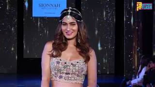 Karishma Sharma Walking The Ramp For Sionnah At The Wedding Junction Show