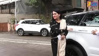 Madhuri Dixit, Padmini Kolhapuri & Sanjay Khan Cast Vote - Vidhan Sabha Election 2019