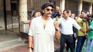 Ranveer Singh Cast His Vote In Mumbai | Maharashtra Election 2019