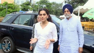 Taapsee Pannu With Family Visit Siddhivinayak Temple To Seek Bappa's Blessings | Saand Ki Aankh