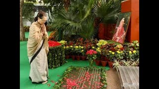 Dr. Manmohan Singh, Smt.Sonia Gandhi pay homage to Smt. Indira Gandhi at the Indira Gandhi Memorial