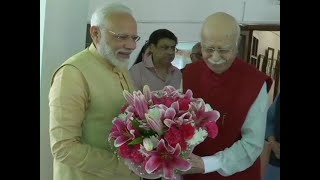 PM Modi along with other senior leaders meet LK Advani on his birthday