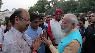 Members of unauthorised colonies and RWA office bearers of Delhi laud Modi government.