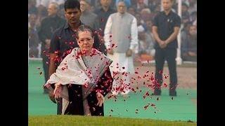 Smt. Sonia Gandhi, Dr. Manmohan Singh pays homage to former PM Pt. Nehru's birth anniversary
