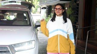 Parineeti Chopra Spotted At Khar Gymkhana - Watch Video