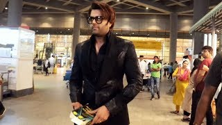 Manish Paul Spotted At Mumbai Airport