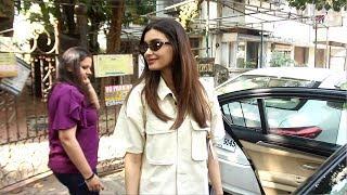 Diana Penty Spotted Matrix Office At Bandra - Watch Video