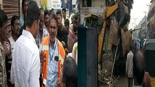 Footpath Shops Demolished By GHMC In Mehdipatnam | @ SACH NEWS |