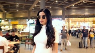 Beautiful Sonal Chauhan Spotted at Mumbai Airport | Watch Video