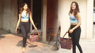 Stunning Janhvi Kapoor Spotted At Pilates Gym KHAR | Watch Video