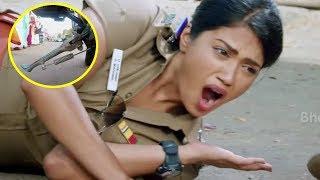 Vijay Antony Ushiran Scenes | Nivetha Pethuraj Overaction | Nivetha Pethuraj Falls On Road