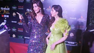 Kriti Sanon And Nupur Sanon At Filmfare Glamour And Style Awards 2019
