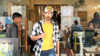 Greek God Hrithik Roshan Spotted Farmers Cafe At Bandra