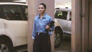 Alia Bhatt Spotted At Sanjay Leela Bhansali's  Office JUHU