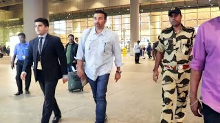 Dashing Sunny Deol Spotted At Mumbai Airport