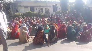 MP News // सड़क हादसे में मृत दंपत्ति के शवों को लेकर परिजनों ने शव को सड़क पर रखकर किया चक्का जाम