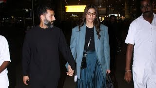 Sonam Kapoor With Husband Anand Ahuja Spotted At Mumbai Airport
