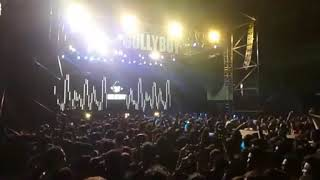 Ranveer Singh jumps in crowd at Gully Boy Music Launch Event