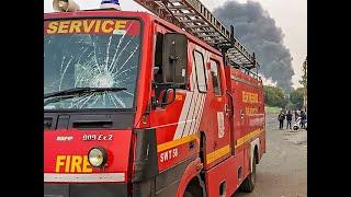 Delhi: Anti-CAA protesters set fire on Bbuses, Jamia Millia Islamia students blamed