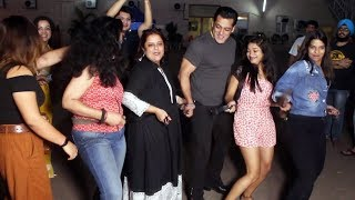 Dabangg 3 - Salman Khan Doing Belt Dance Step On Munna Badnaam With Paparazzie At Mehboob Studio