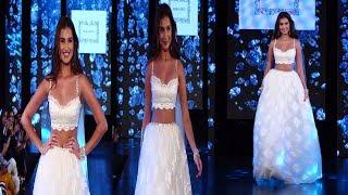 Tara Sutaria Gorgeous Looking ramp Walk  At Wedding Junction Show 2019  | News Remind