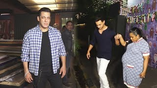 Salman Khan Entry At Sister Arpita khan's Christmas Party 2019