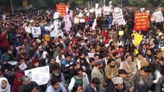 CAA के खिलाफ Jamia छात्रों का विरोध मार्च // THE NEWS INDIA