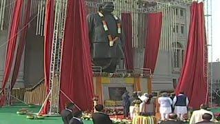 PM मोदी ने लखनऊ में किया वाजपेयी की 25 फीट ऊंची मूर्ति का अनावरण