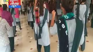 લાઠી-કલાપી વિનય મંદિર ખાતે મહિલાઓને સ્વરક્ષણ તાલીમ અપાય