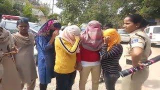 6 Women Caught | Jism Faroshi Par Police Ki Raid | AT Rajendarnagar Limits | @ SACH NEWS |