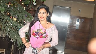 Vidya Balan Celebrates Her Birthday With Family At KHAR