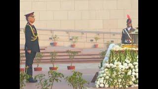 New Army chief Lt Gen MM Naravane pays tribute at National War Memorial in Delhi