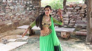 अलवर शहर की लड़की नेहा ने लगाए गांव में जोरदार ठुमके || मैडम कौन कौ कर रही वेट लगाय के होठंन पे लाली