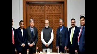 PM Modi meets business leaders, discusses ways to improve economic growth